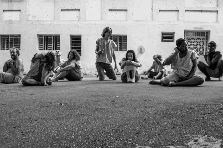 Nos Poroes da Loucura - Crédito André Fossati (1).jpg